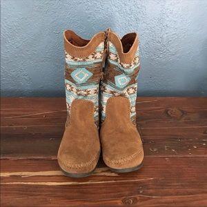 Minnetonka - mid-calf suede booties
